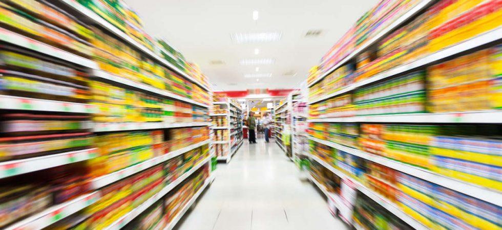 Tre supermercati e cinque negozi a reddito in Nord Italia